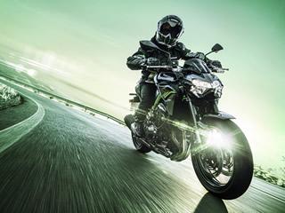 Com preço de pré-venda de R$45.990, Kawasaki Z900 2021 chega com muita tecnologia