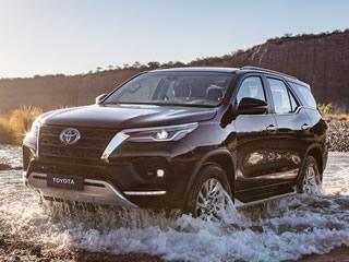 Com preços que variam entre R$ 202.390 e R$ 314.790, eis a Toyota SW4 2021