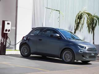 Custando R$ 239.990, Fiat 500e estará disponível em apenas 10 concessionárias do país